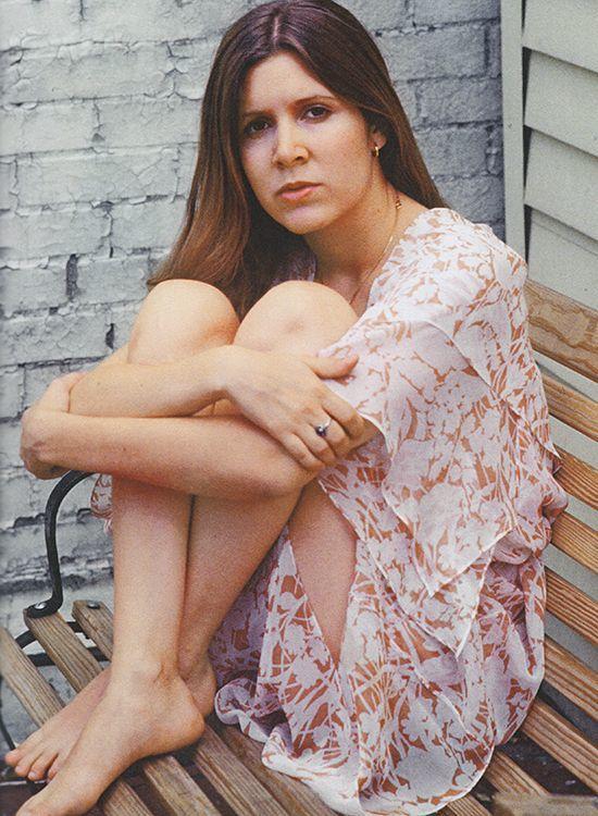 Carrie-Fisher-Feet-2659881_1.jpg