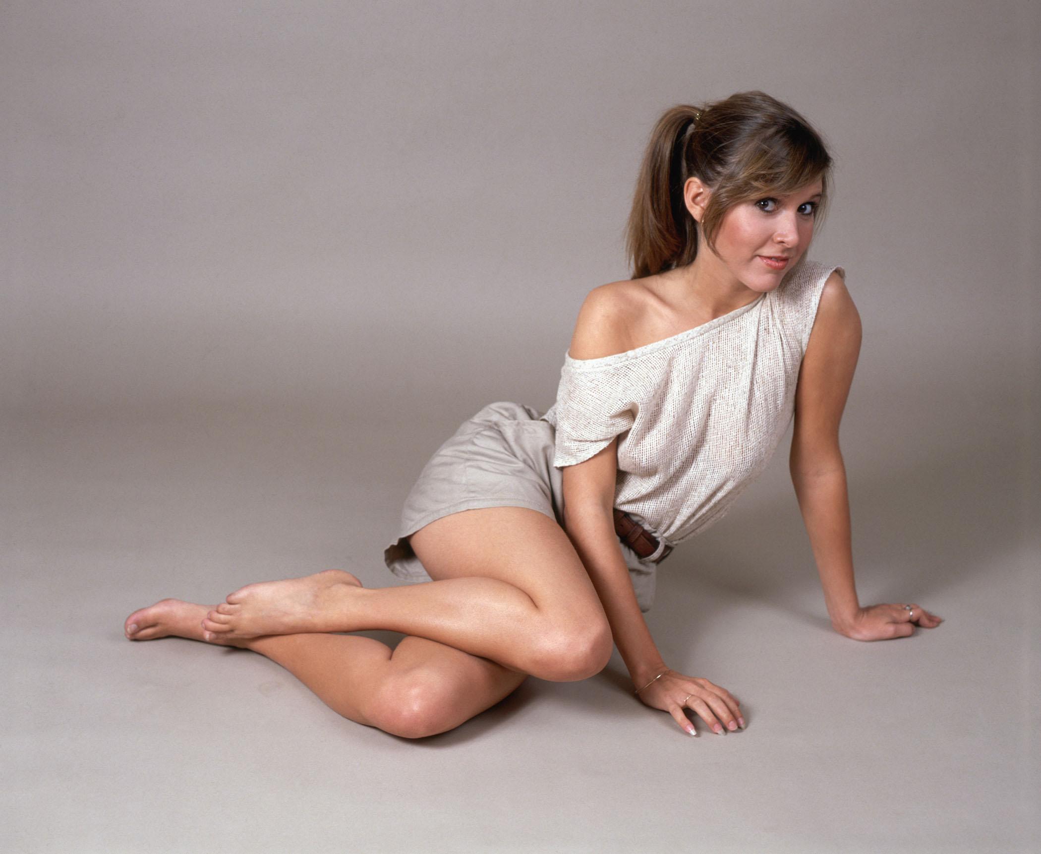 Carrie-Fisher-Feet-37081.jpg