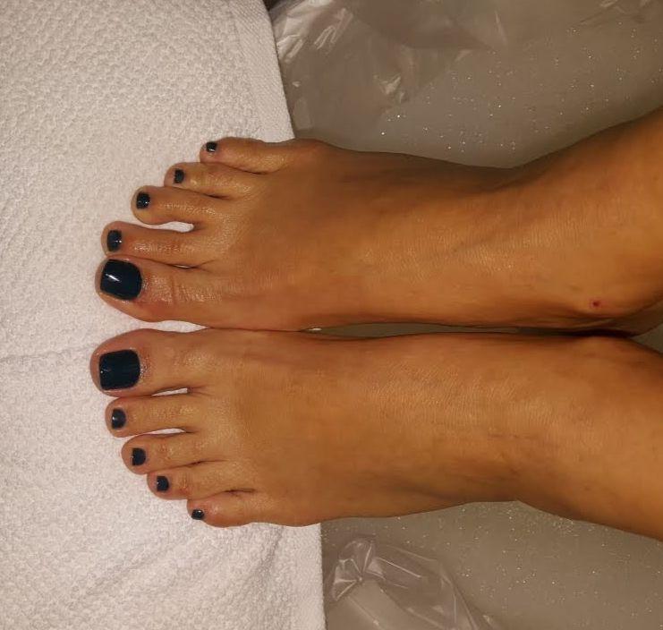 feet crop.jpg